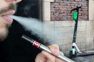 E-Zigarette und E-Scooter